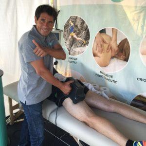 foto-mans-de-sant-massatge-thumper