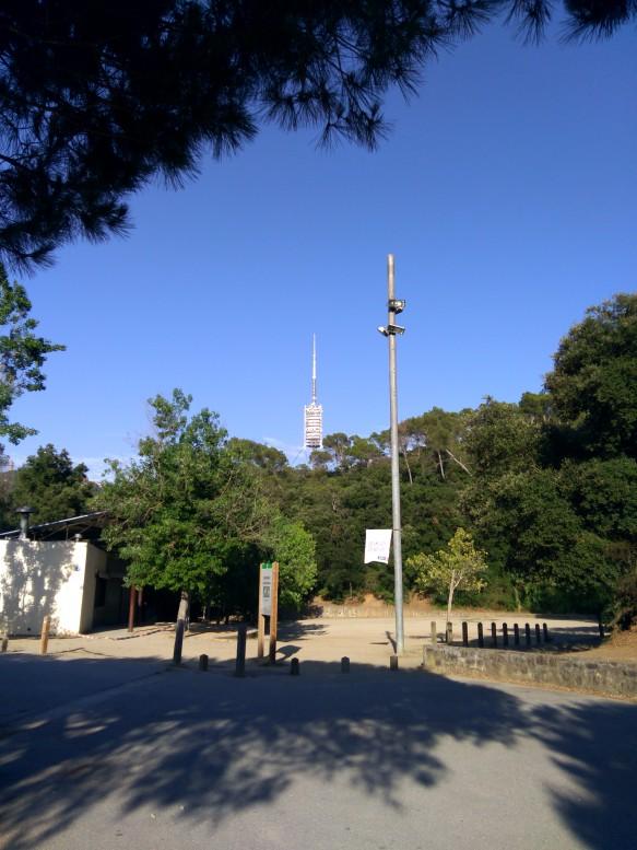Aprox. km 0,5 área de picnic de Santa María de Vallvidrera